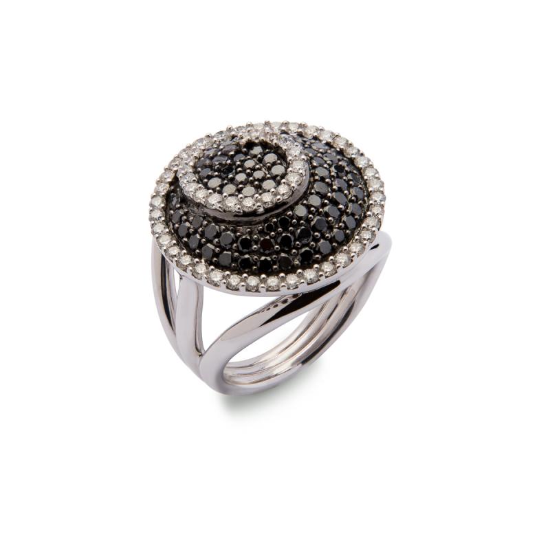 Sortija Diamantes blancos y negros