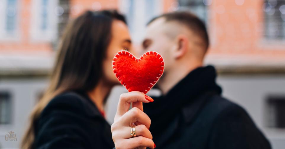 a5ca019268db Febrero  20% descuento en anillos de compromiso y alianzas de boda ...